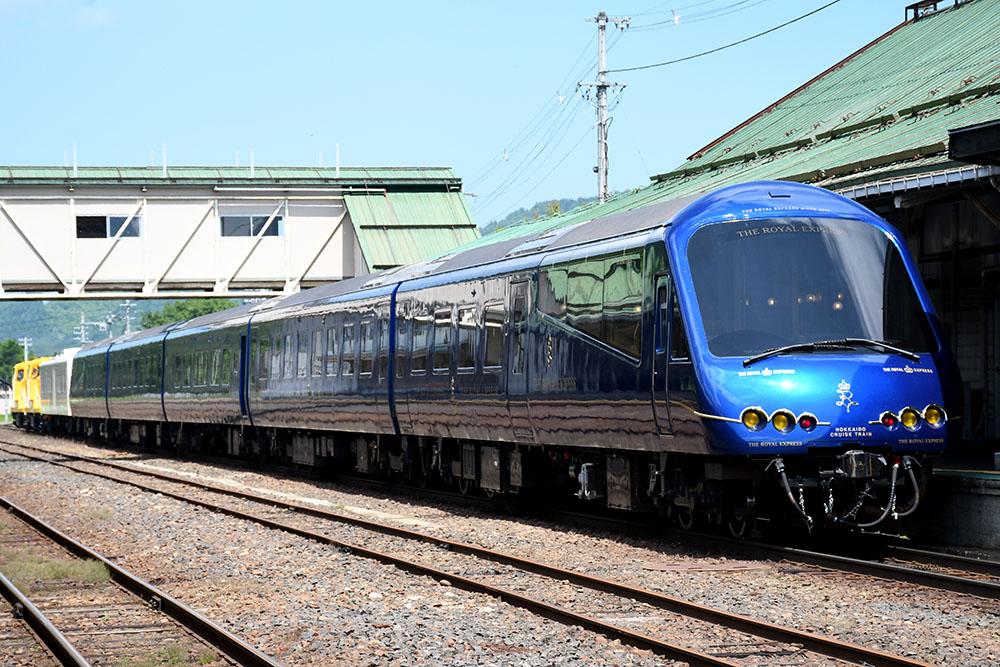 北海道ツアーのために〜ザ・ロイヤル・エクスプレスが遠軽駅に停車 ...